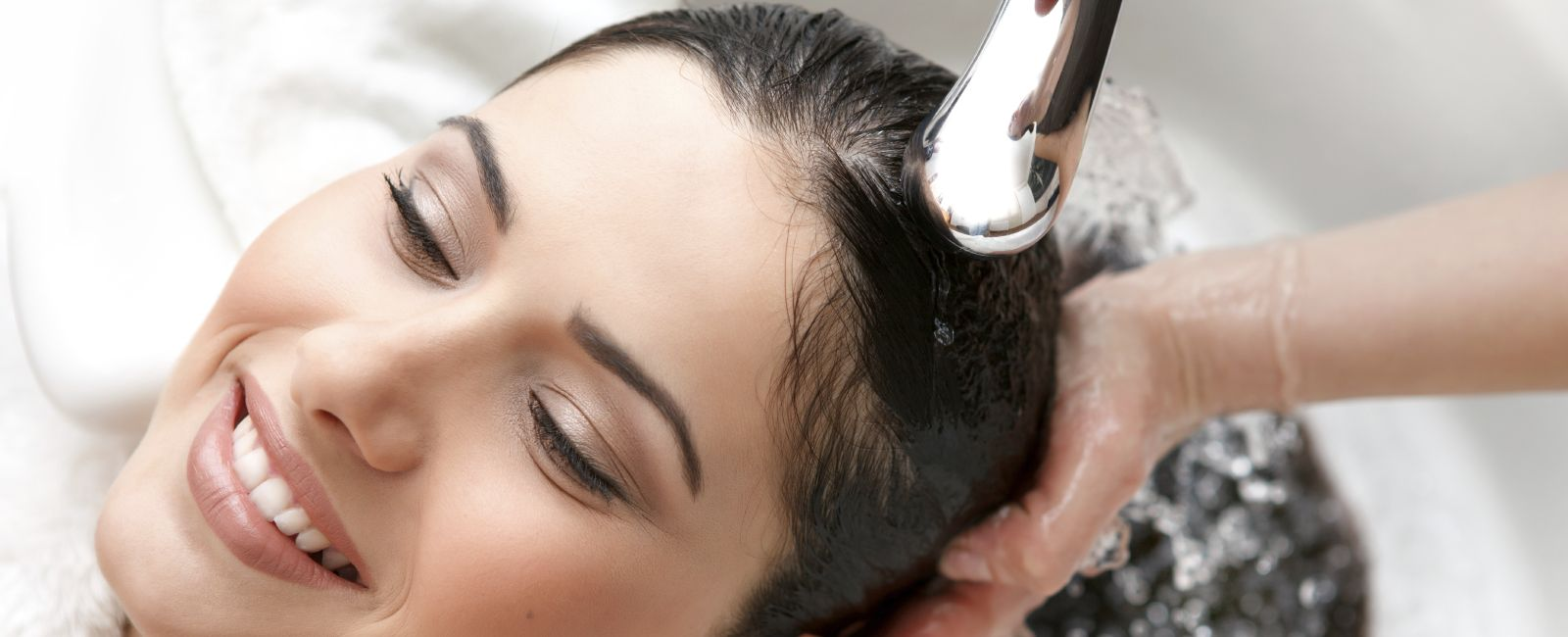 Relaxing Wash and blowdry salon